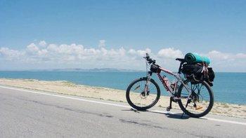#照片故事#那年我们骑行1000公里环青海湖